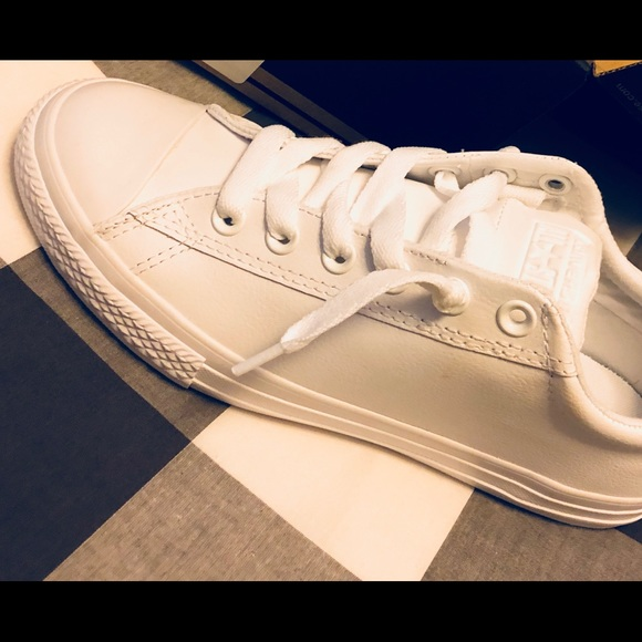 Converse Shoes - All White Leather Converse NIB 😍